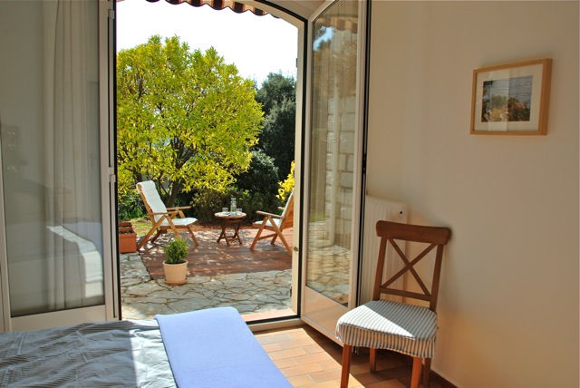 French Riviera Holiday: bathroom
